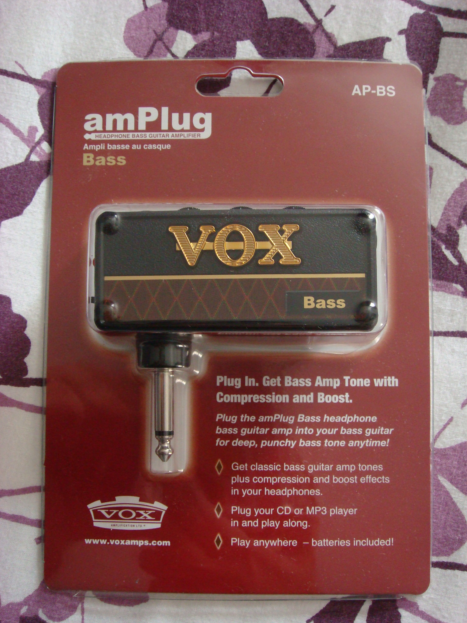vox amplug bass guitar headphone amp ugly bass face. Black Bedroom Furniture Sets. Home Design Ideas